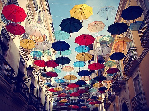 under-my-umbrellas-123451-480-360